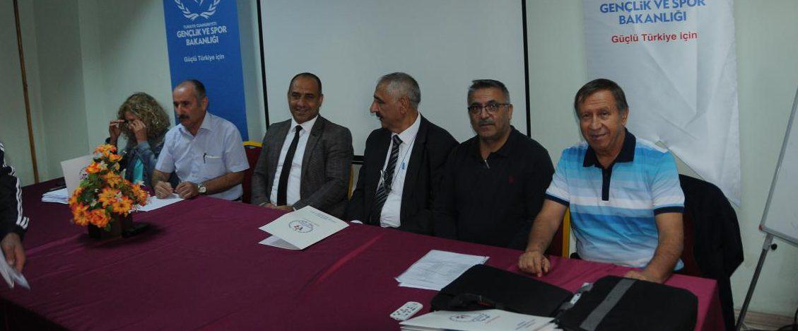 Seyit Ali Onbaşı Yıldızlar Kulüpler Türkiye Halter Şampiyonası Çanakkale'de Başladı.