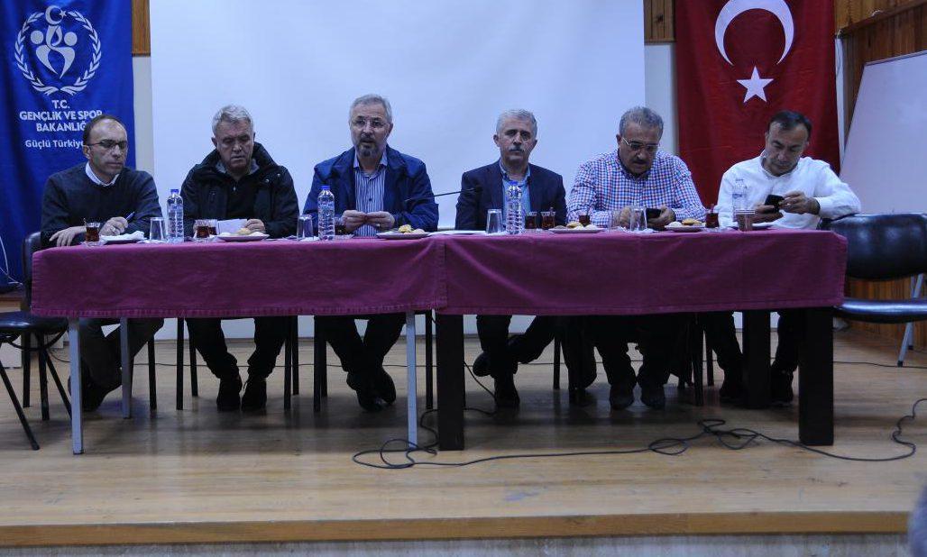 Büyükler  Kulüpler Türkiye Halter Şampiyonası Adana'da  Başladı
