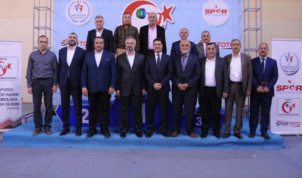 Büyükler Kulüpler Türkiye Halter Şampiyonası'nın Açılış Seremonisi Gerçekleştirildi