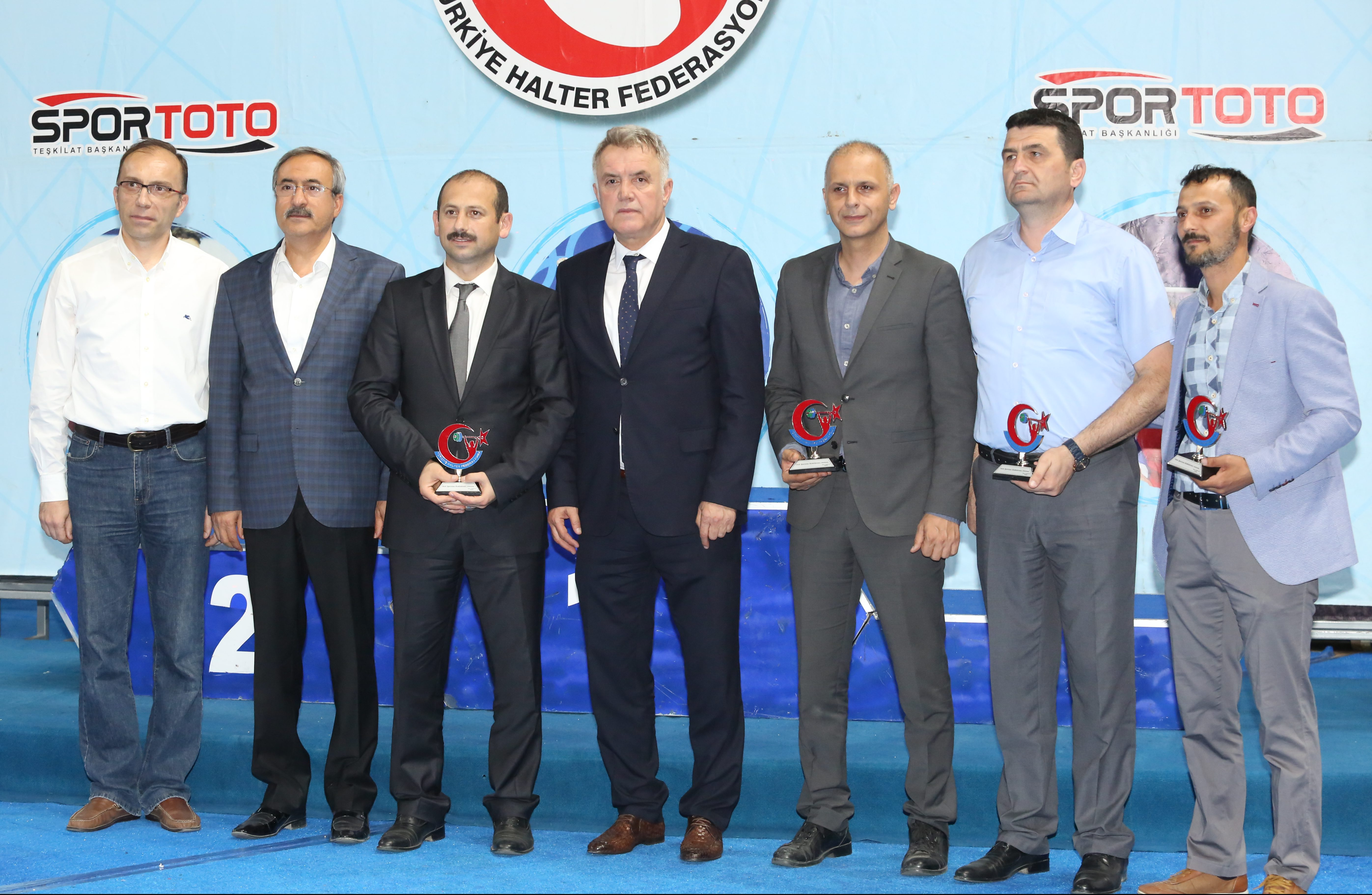 Yıldızlar Kulüpler Türkiye Halter Şampiyonası'nın Açılış Seremonisi Yapıldı