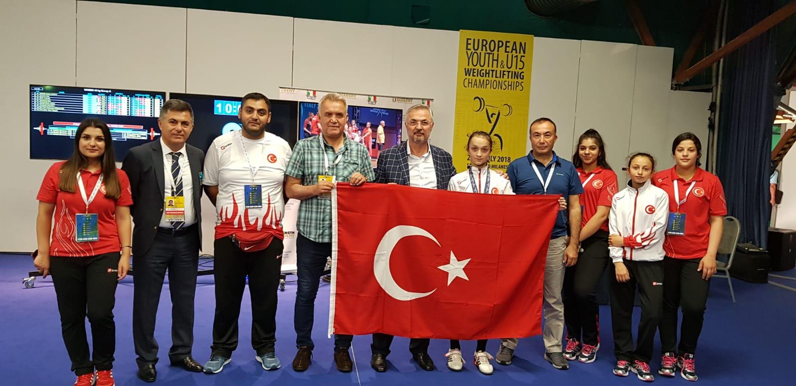 Yıldızlar ve U15 Avrupa Halter Şampiyonası'nda Madalya Yağmuru