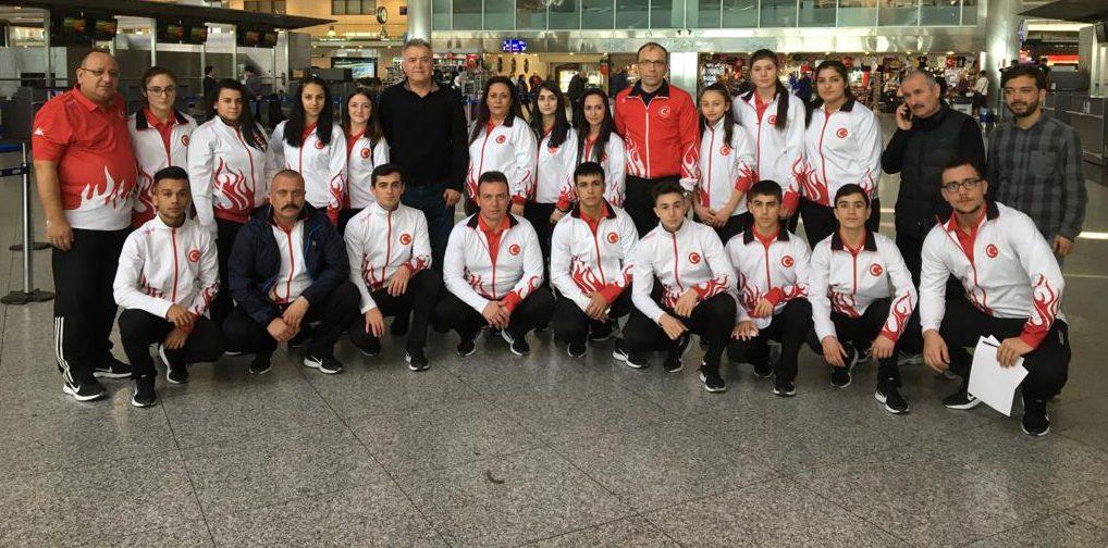Büyükler Avrupa Halter Şampiyonasına katılacak olan milli takımımız Gürcistan'a gitti.