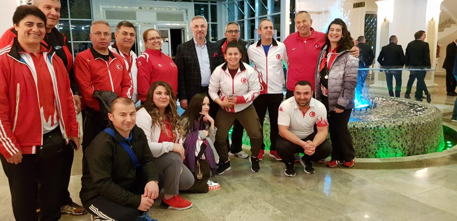 Milli Takımımız Büyükler Avrupa Halter Şampiyonası 'nı 14 Madalyayla Tamamladı