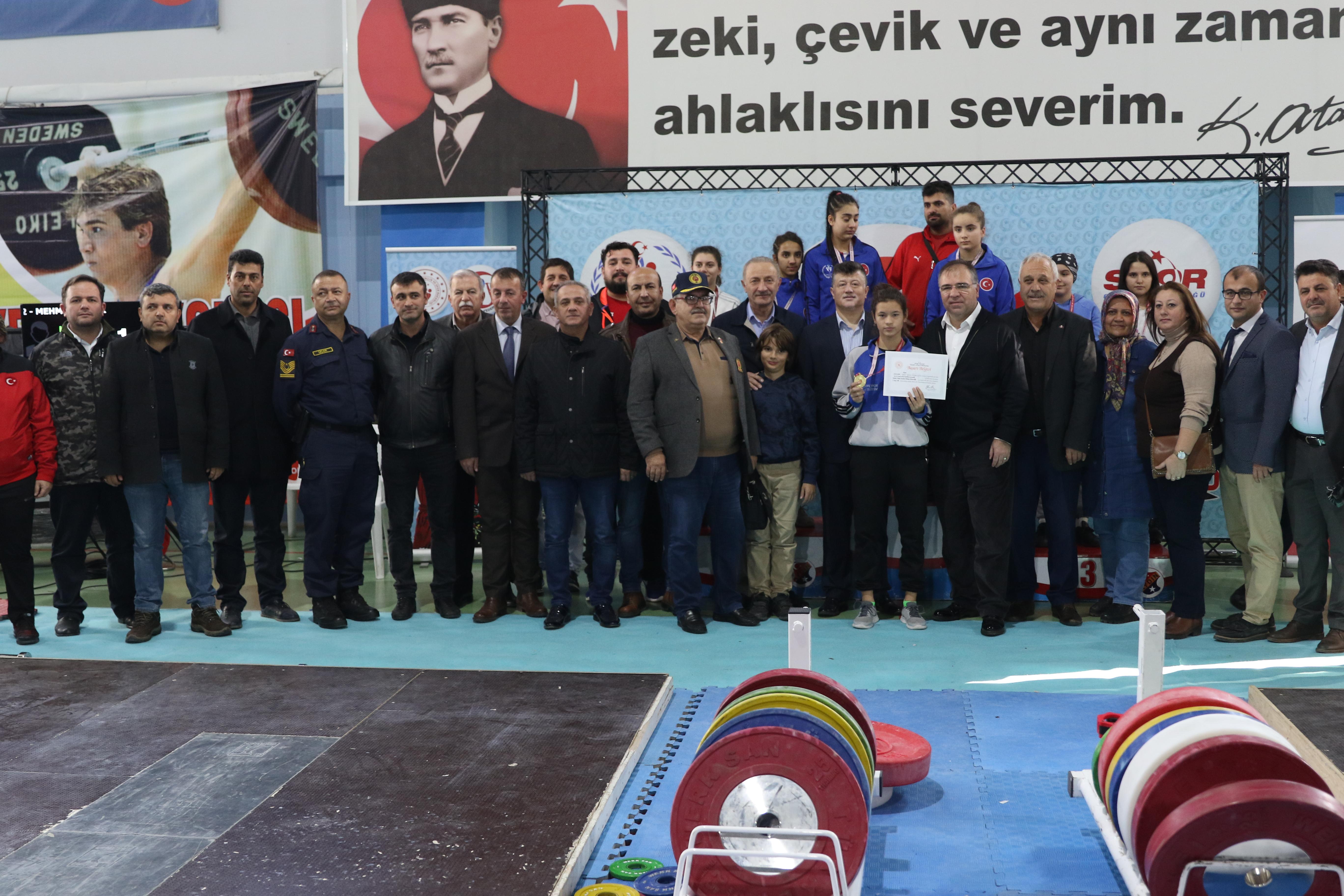 Türkiye Yıldızlar Halter Şampiyonası Didim'de yapıldı