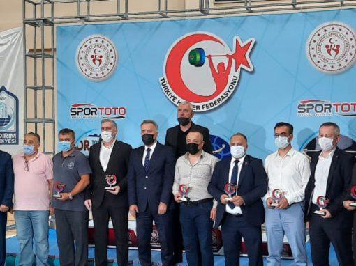 U15 ve Yıldızlar Halter Türkiye Şampiyonası, Bursa Yıldırım Belediyesi Naim Süleymanoğlu Spor Kompleksi Spor Salonunda rekor üstüne rekor kırılarak sona erdi.