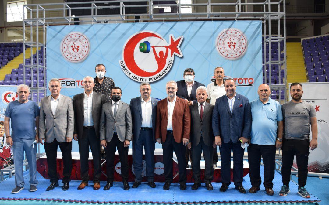 Gençler ve U23  Halter Türkiye Şampiyonası'nın açılış seremonisi gerçekleştirildi.