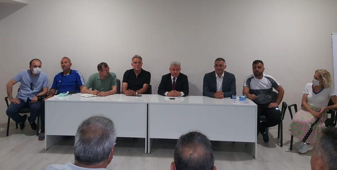 Gençler ve U-23 Türkiye Halter Şampiyonası Veysel Eroğlu spor salonunda başladı